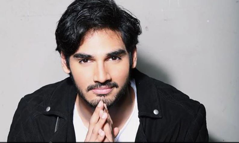 Ahan Shetty Begins Debut Film RX 100 Hindi Remake With 'Lot Of Drama', Tara Sutaria's Entry Awaited -1